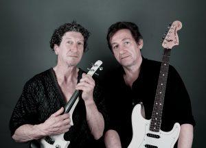 Martin Schnabel mit E-Geige und Matt Fleischmann mit E-Gitarre