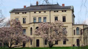 Außenansicht der Villa Merkel von Süden